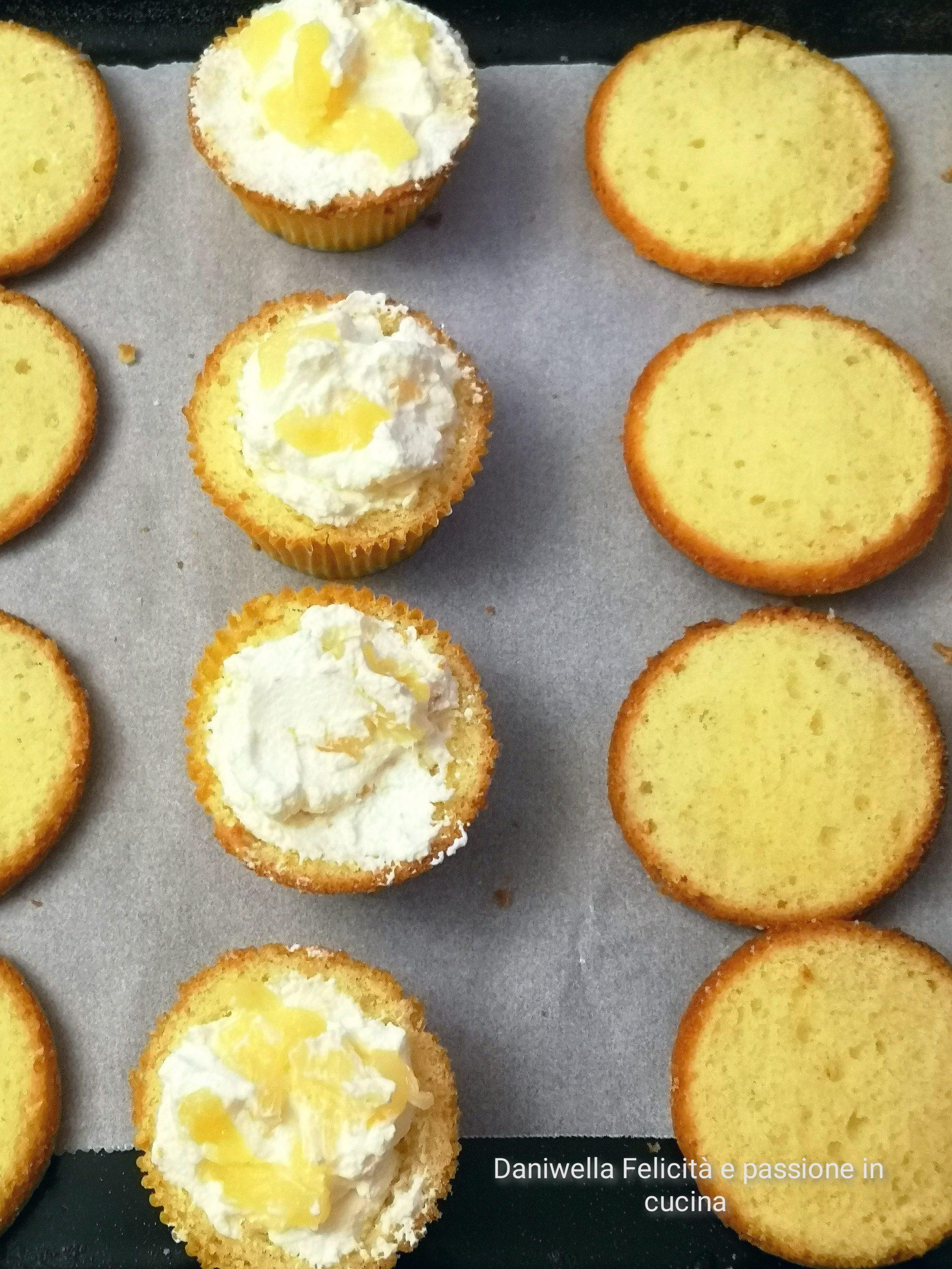 Con questo ripieno riempiteci l'interno dei cupcake.