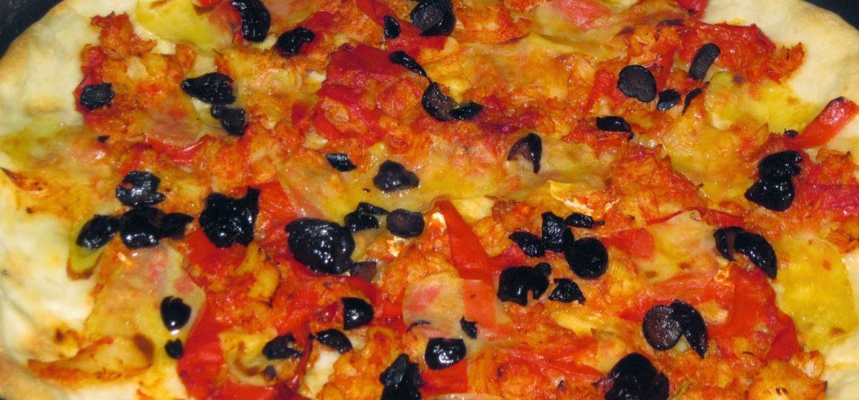 pizza-con-baccala-peperoni-e-oliove-nere-ricetta-n-117