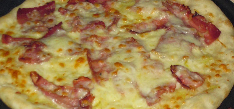 pizza-con-speck-e-scamorza-ricetta-n-145