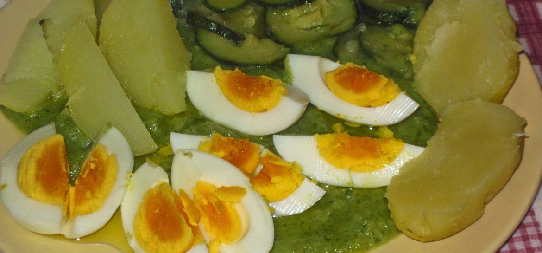 fantasie-di-ortaggi-e-uova-sode-su-crema-di-zucchine-ricetta-n-178