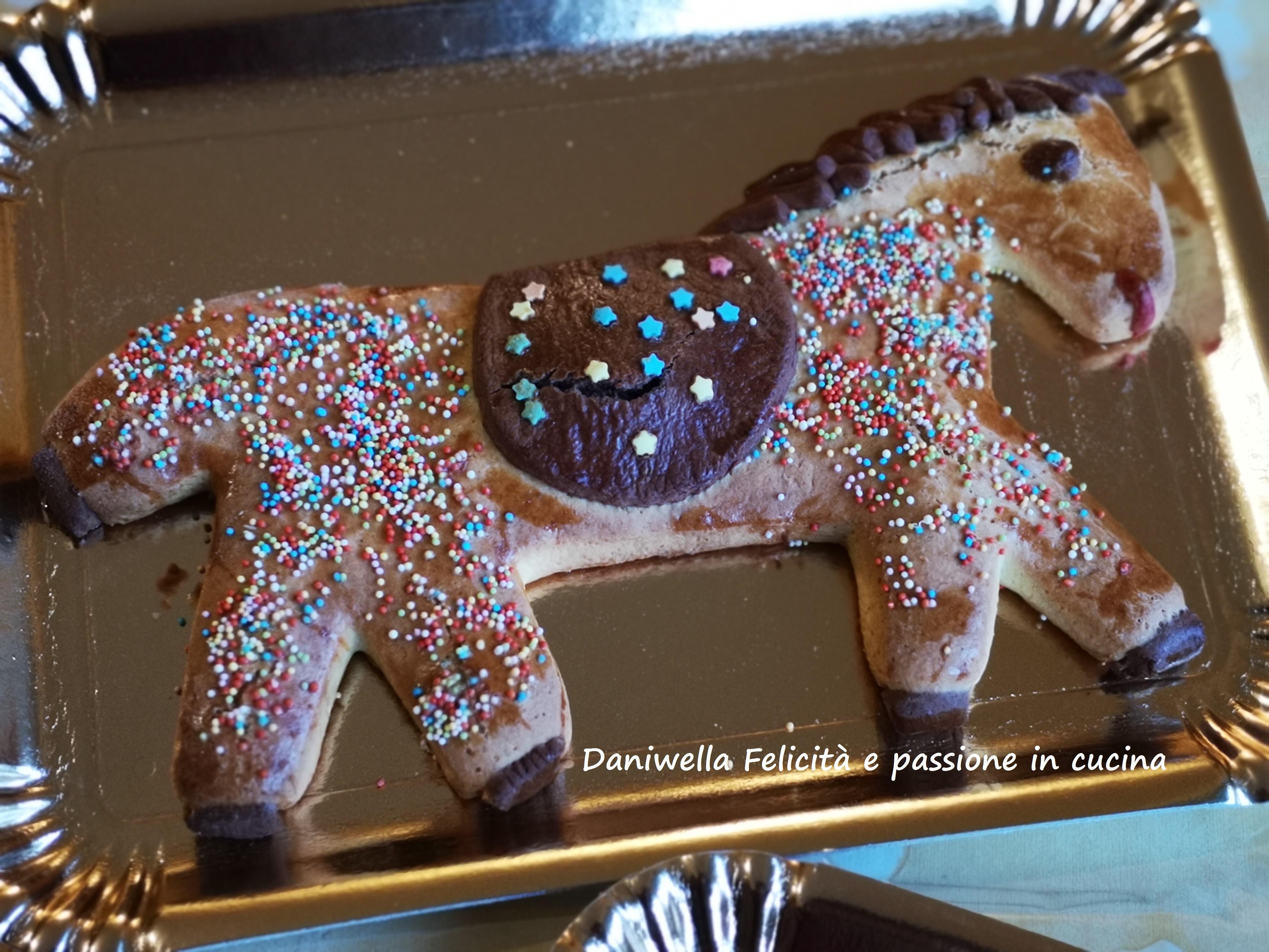 Ed ecco il cavallo pronto in tutta la sua fierezza.