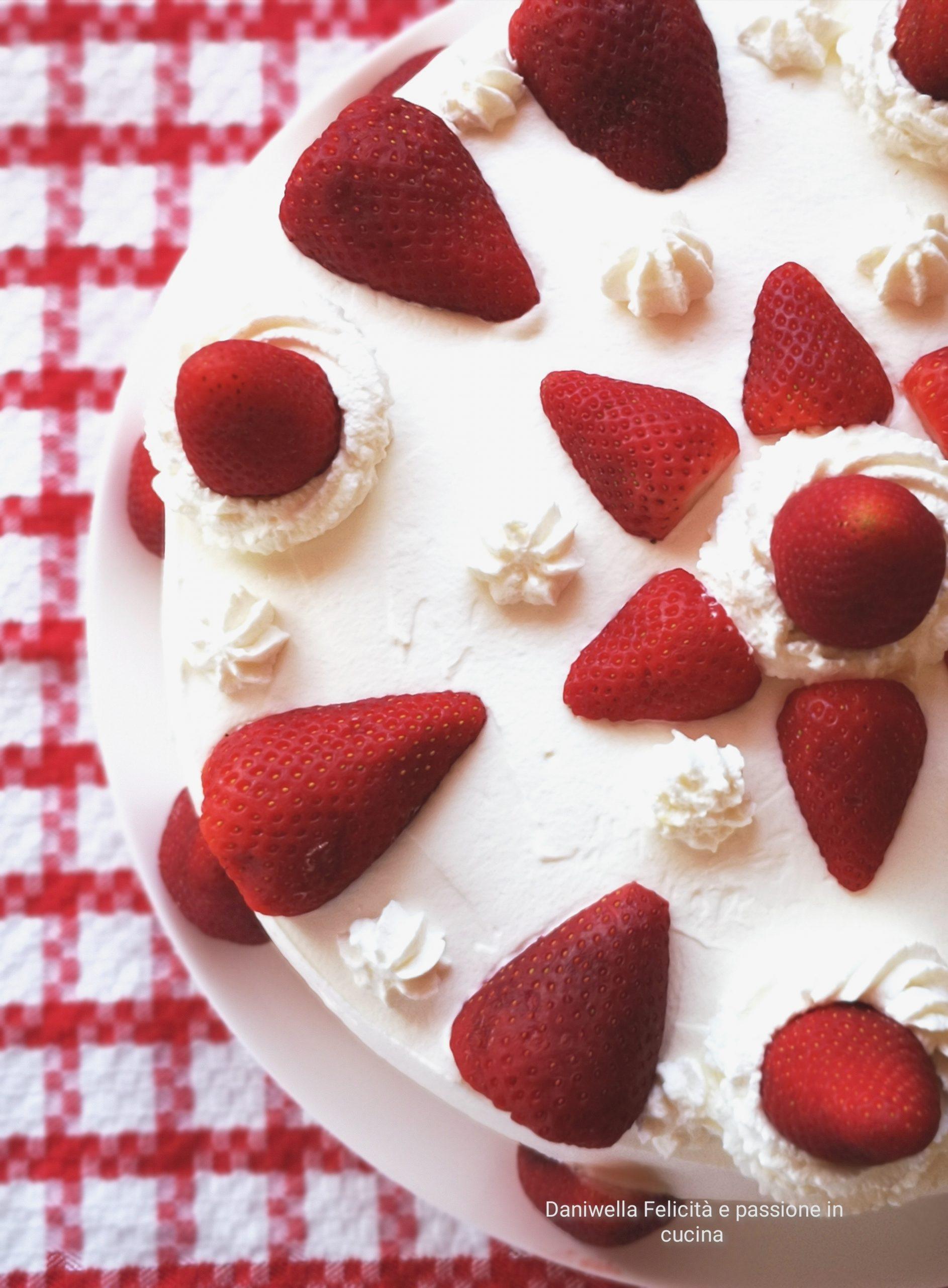Torta Fragole e Panna Montata – Preparatevi a Ricevere gli Applausi